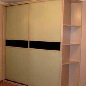 Корпусный шкаф-купе на заказ с стеклянными дверями