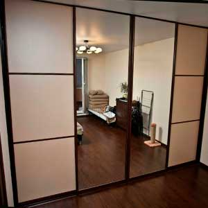 Встроенные шкафы-купе на заказ зеркальные